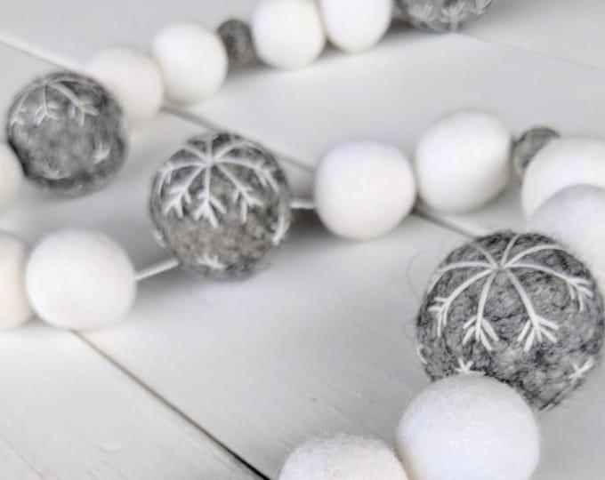 Christmas Garland : Snowflake Christmas Garland