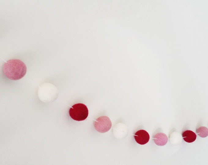 Pom Pom Garland : Valentines felt ball garland in pink
