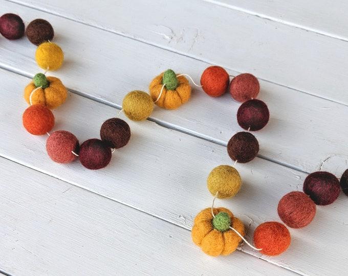 Fall Garland : Thanksgiving / Fall Felt Ball Garland with Pumpkins