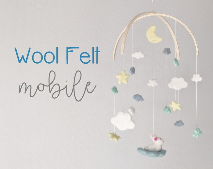 Baby Mobile : Star baby mobile in whimsical gender neutral tones