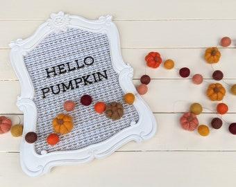 Felted Pumpkin Garland : Thanksgiving / Fall Felt Ball Garland // Pumpkin garland