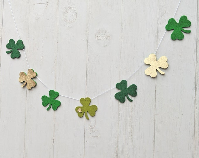 St. Patrick's Garland : Shamrock garland for St. Patrick's Day