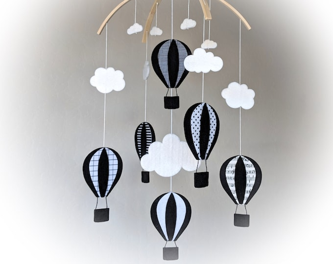 High Contrast Baby Mobile : Hot Air Balloon Baby Mobile