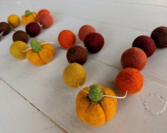 Fall Garland : Thanksgiving / Fall Felt Ball Garland // Pumpkin garland
