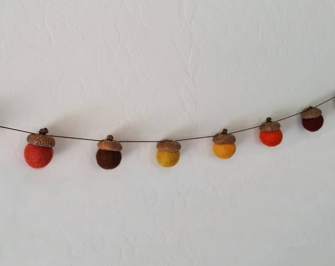Fall Garland : Thanksgiving Garland with acorns