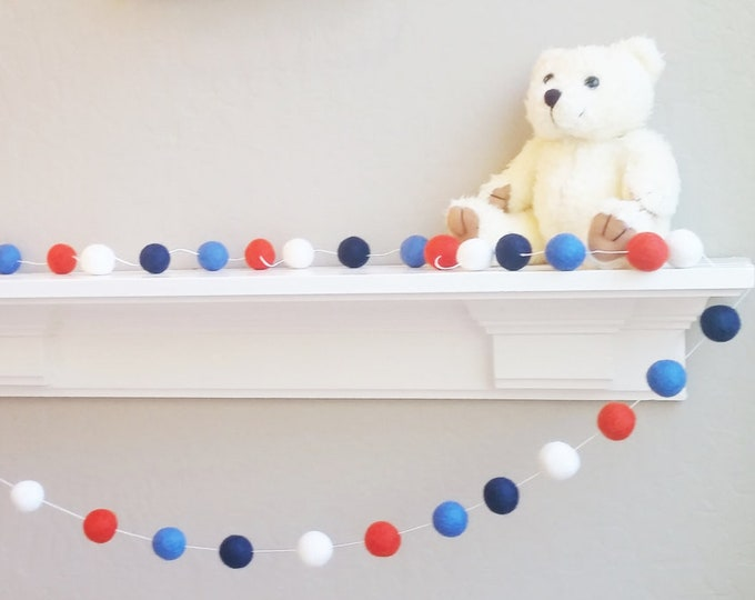 Nursery Garland : Classic felt ball garland
