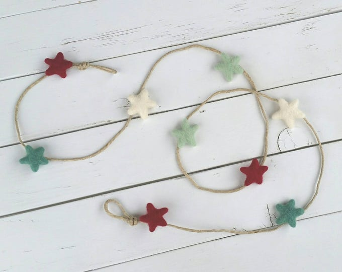 Christmas Card Holder , Card Holder , Christmas garland felted stars , Holiday Card Display , Merry Mail , Photo Display , Picture Display