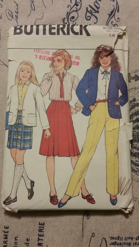 4462 UNCUT Vintage Butterick SEWING Pattern Girls Top Romper Skirt Shorts Pants