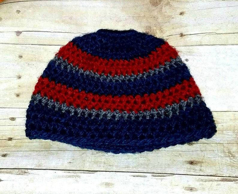 Messy Bun Hat Patriots hat Ponytail Hat Winter Hat Superbowl Crocheted Ponytail Beanie Crocheted Hat Messy Bun Beanie