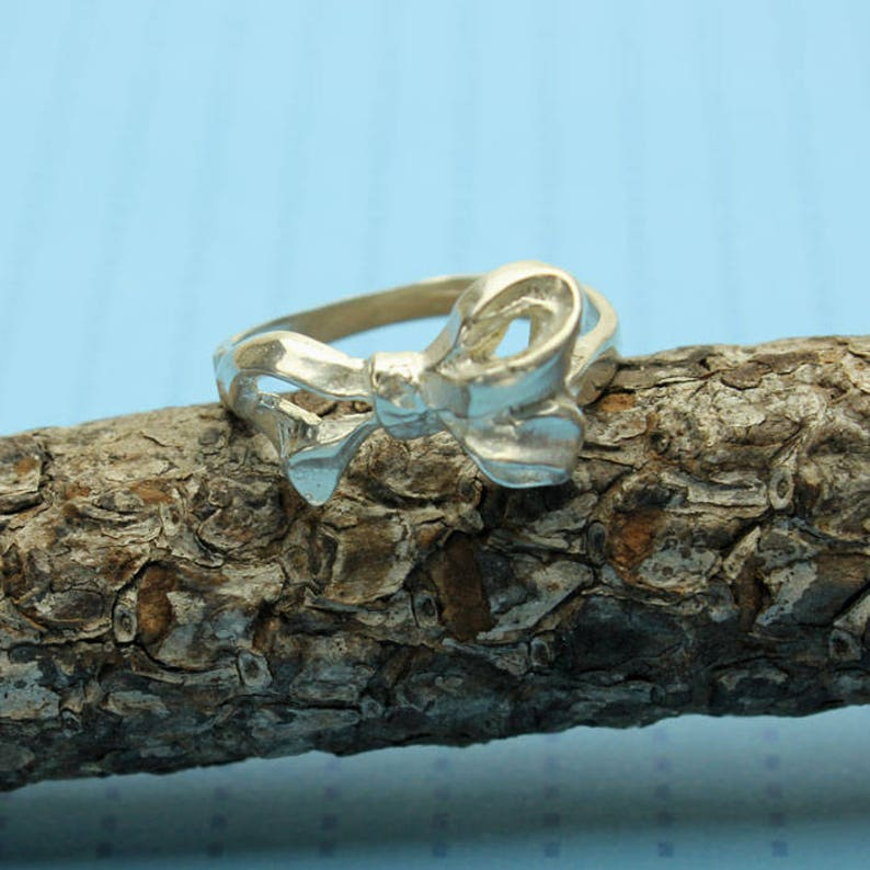 MIDI Ring First Knuckle Sterling Silver Bow Silver Ring