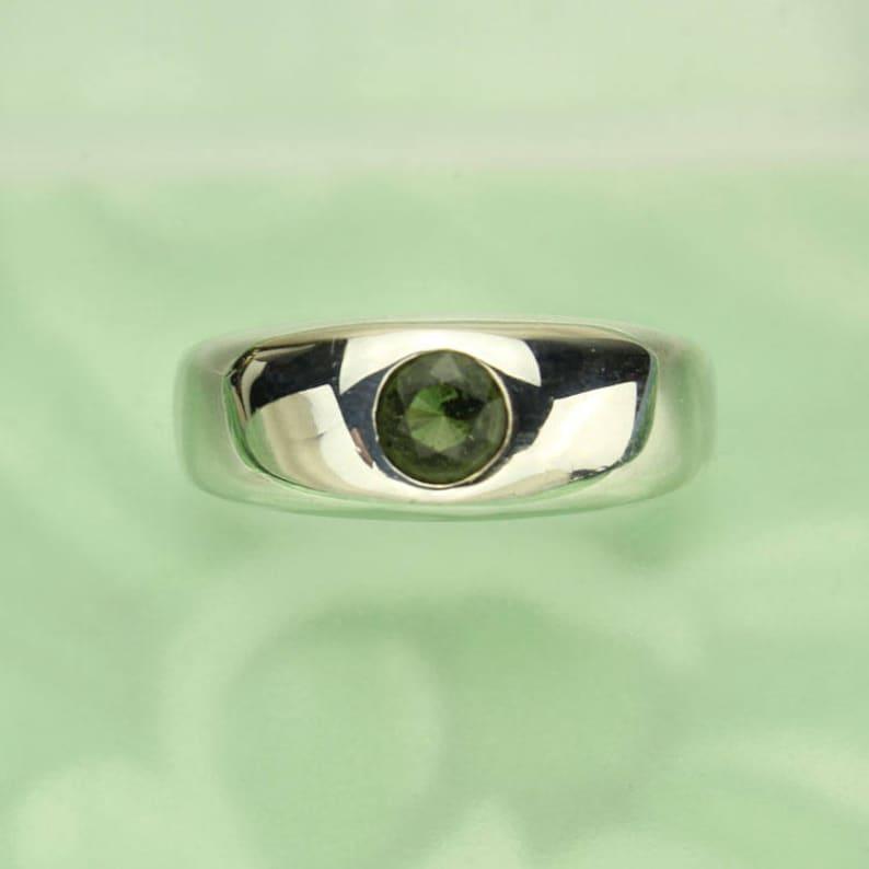 Unisex Moldavite Ring, Genuine Green Tektite in Sterling Silver, Round  Flush Set Moldavite Gemstone, Mens or Women Ring, Certificate