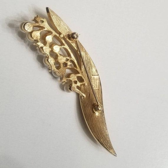 Crown Trifari Pearl Brooch - image 3