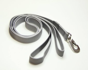 Dog's leash with latex/rubber
