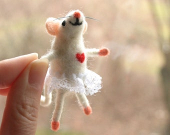 Felted miniature mouse, Felt mice, Cute wool mouse, Holiday figurine, Needle felted mouse, Collectable mouse