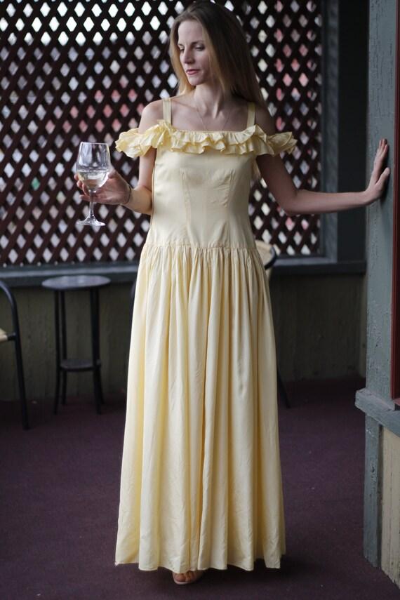 Daffodil Dream 1940s Gown