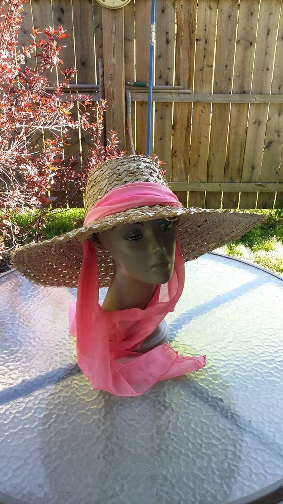 Big Straw Victory Garden Sun Hat