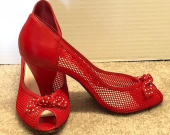 d98a6620ad Vintage Nine West Red Peep Toe Cuties!