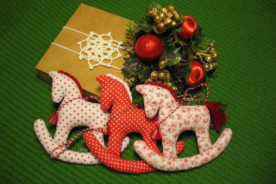 For Order Textile Christmas Ornaments Fabric Hanging Horses Shabby Chic Decorations Rustic Christmas Tree Toys Nursery Decor Red White Cute