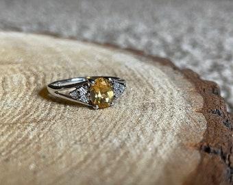 vintage zales / citrine ring / sterling silver / empowering bliss & abundance / November birth stone (7.25).