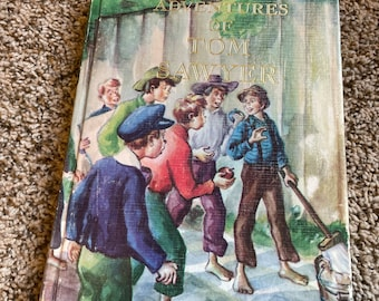 Adventures of Tom Sawyer by Mark Twain (1983 printing).