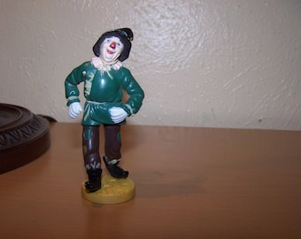 Wizard of Oz Scarecrow figurine Lowes Ren stamped on the bottom