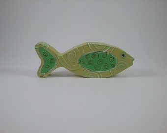 Fish w/spirals/Margarita/wood shelf sitter