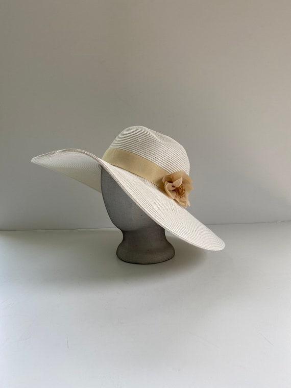 White Wide Brimmed Sun Hat