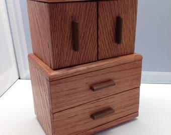 Miniature wooden jewelry /trinket box
