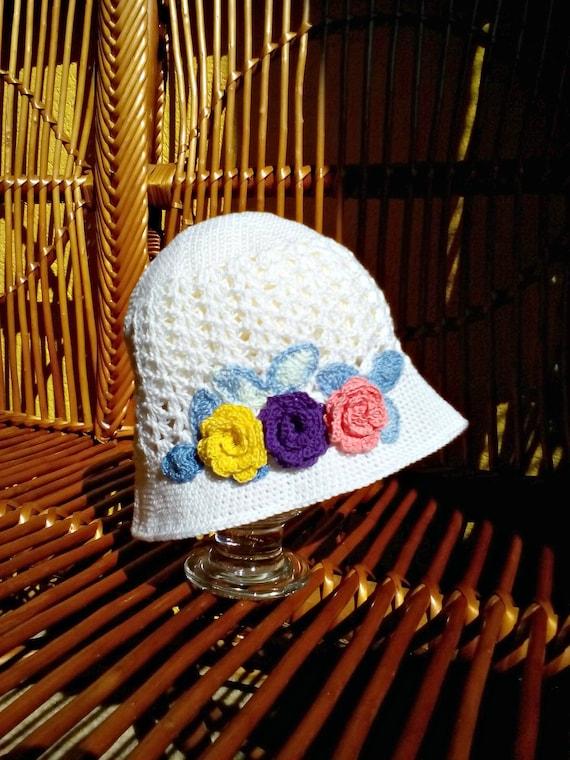 4d3a4a059a5 White crochet baby girl sunhat Roses crocheted baby summer