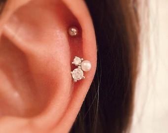 Pearl Geometric Earring, pearl cartilage earring, dainty tragus stud, tiny cluster earrings, cute helix earring, circle studs, cluster pearl