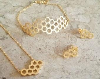 Gold jewelry set, beehive jewelry, hexagon stud earrings, hexagon jewelry set, mother's day gift, gift for aunt, trio set, jewelry set gifts