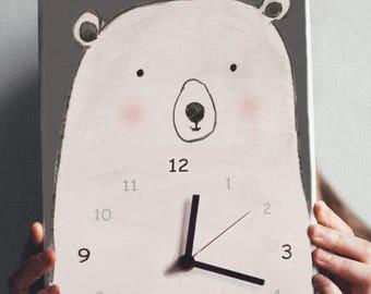 Pulkstenis ar leduslāci