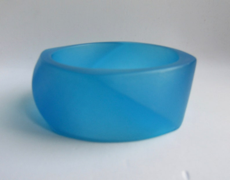 Vintage Made in Italy Translucent Turquoise Blue Modernist Twisted Angled Asymmetrical Resin Bangle Bracelet