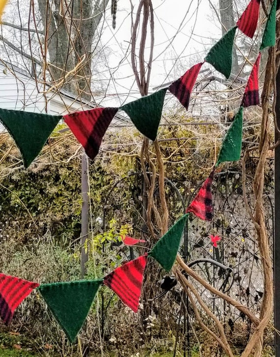 Christmas Red and Green Wool Buntings