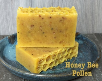Honey Bee Pollen Soothing Soap, Great Facial or Body Bar. Organic and Natural. Helps Fight Acne & Eczema. Gentle moisturizer!