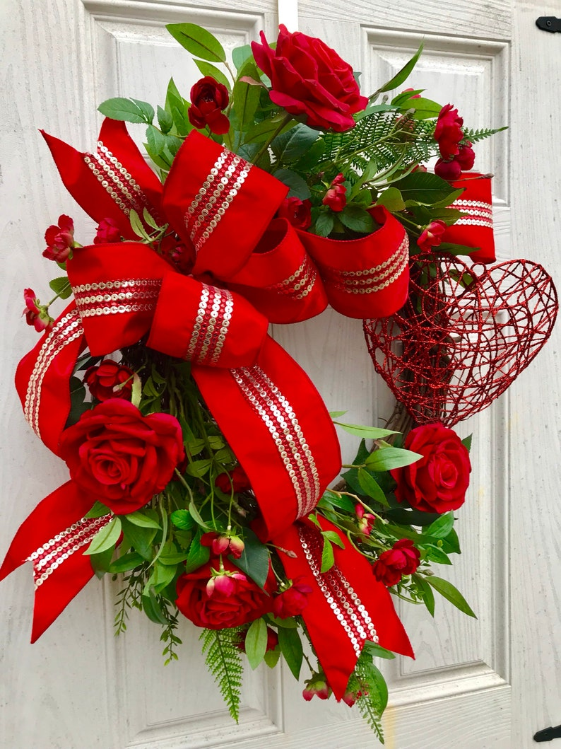 Grapevine floral wreath Mother/'s day wreath Valentine/'s Day wreath red roses wreath grapevine wreath valentine/'s decor heart wreath
