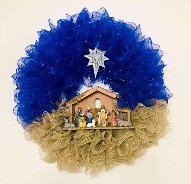 mesh nativity wreath Nativity wreath
