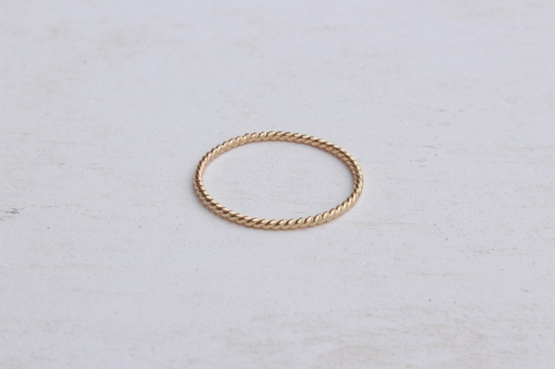 14 K twisted wire ring