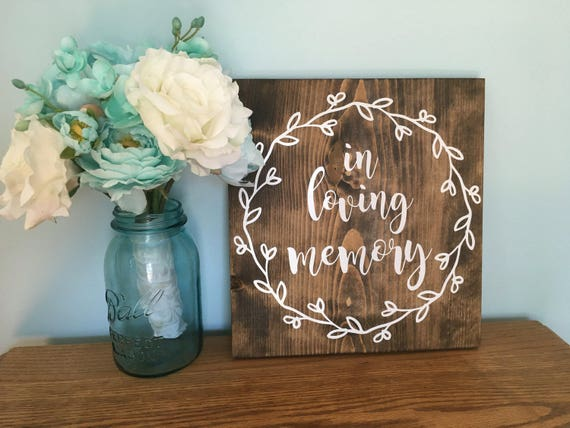 in loving memory, In Honor of those who are Watching from Heaven Sign, Photo table sign, Loved Ones sign, Remembrance Rustic Wedding Sign
