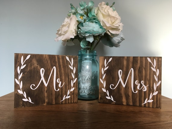 Wreath Sign Mr and Mrs Signs, Mr and Mrs Chair Signs, Mr and Mrs, Mr Mrs Table Sign, Wooden Wedding Signs, Mr Mrs signs, Mr Mrs chair signs