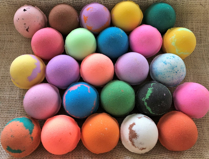 Lot of 15 Heavenly Scents Bath Bombs 2 ounce image 0