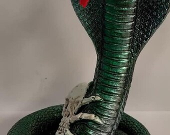 Realistic Effect Cobra Figurine Statue Ornament