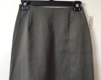 Beautiful Grey-Bronze Herringbone Skirt // Casual Fashion