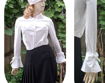 Lolita Classic and Cute Fits S Pin Up Pre-Loved. Vintage Knit Top Polka Dots and Stripes Gathered Short Sleeve Black and White