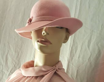 Pink vintage hat Wool hat Costume accessories