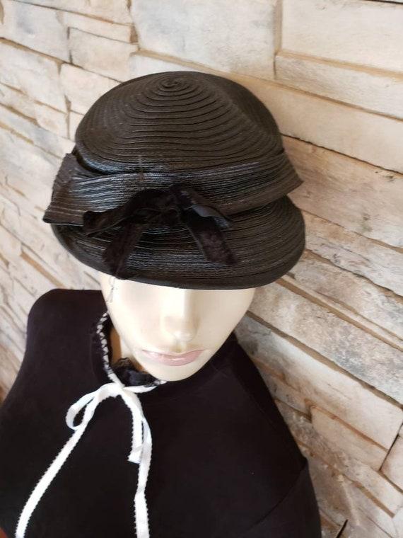 Ladies 18th century hat
