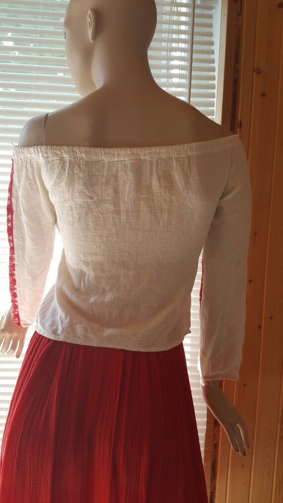 70s Embroidered Gauze cotton peasant blouse - image 4