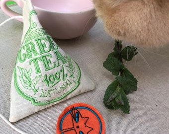Freak Meowt, Handmade, Unique, Canadian Catnip cat toys, Catnip Green Tea tea bag, cool cat toys, Gifts for cats, cat toy, catnip toys