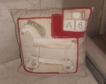"Country chic ""toys of yesteryear 3"" pillow cover red, white and beige 40 by 40cm"