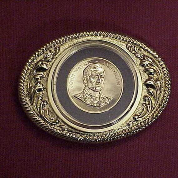 grand assortiment Découvrez beaucoup à la mode John Wayne du Congrès 24kt Gold Plated boucle de ceinture Deluxe  médaille... Un must have pour le vrai Fan de John Wayne !